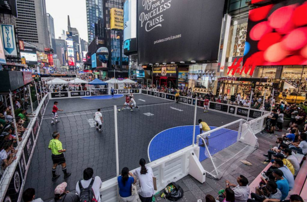 how to play street soccer
